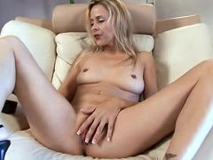 Super milf payton leigh plays with the rabbit for the first time